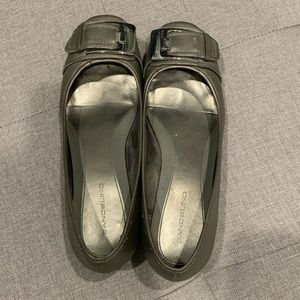 Bandolino silver flats with buckle